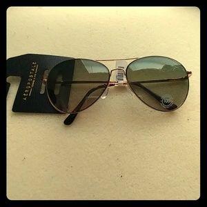 Aéropostal aviator sunglasses